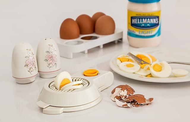 【重要】離乳食で初めて卵をあげる時の方法と4つの注意点