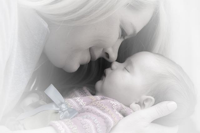 生後2ヶ月の赤ちゃんに抱きぐせはダメ?ママも驚愕の真実とは
