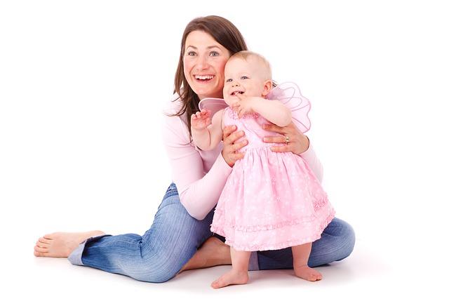 生後6ヶ月の早い段階でつかまり立ちができるとo脚になるという噂の真相