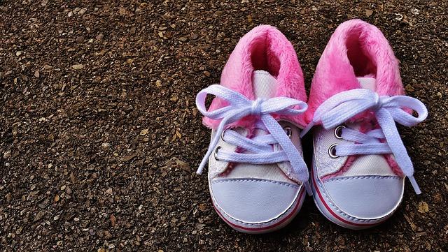 【1歳】靴を履くと嫌がって泣く赤ちゃんへの4つの対策とママのための2つの心構え
