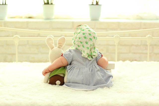 【生後11ヶ月】赤ちゃんがおすわりできない理由3つとおすすめの3つの練習方法