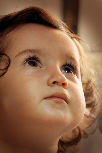 【1歳児】いつから話す?言葉が溢れ出す環境を作る3つのポイント