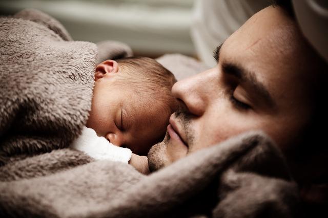 赤ちゃんの夜泣きに旦那が怒る時の2つの対処法|パパ育でママはもっと楽になろう!