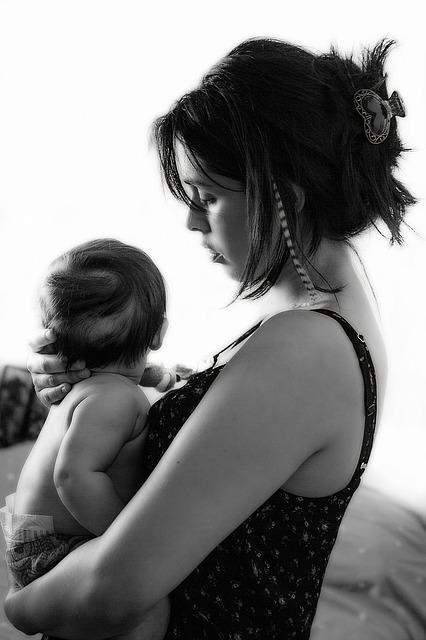 産後の脇の下の黒ずみをなんとかしたい!ママが今日からできる4つの簡単ケア