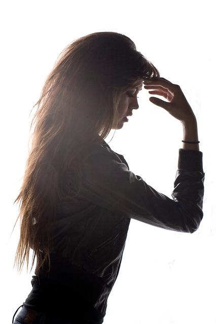 【産後】 前髪が薄い悩みの3つの原因と見た目を変える2つの対策